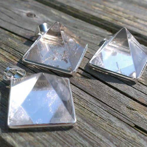 Kristal Hangers