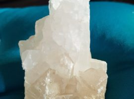 apofyliet.nl - Luxor albast kristal
