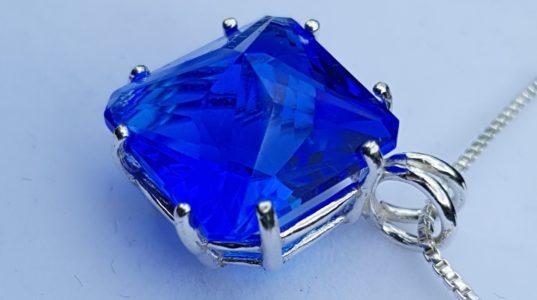apofyliet.nl - magician stone blauwe kwarts